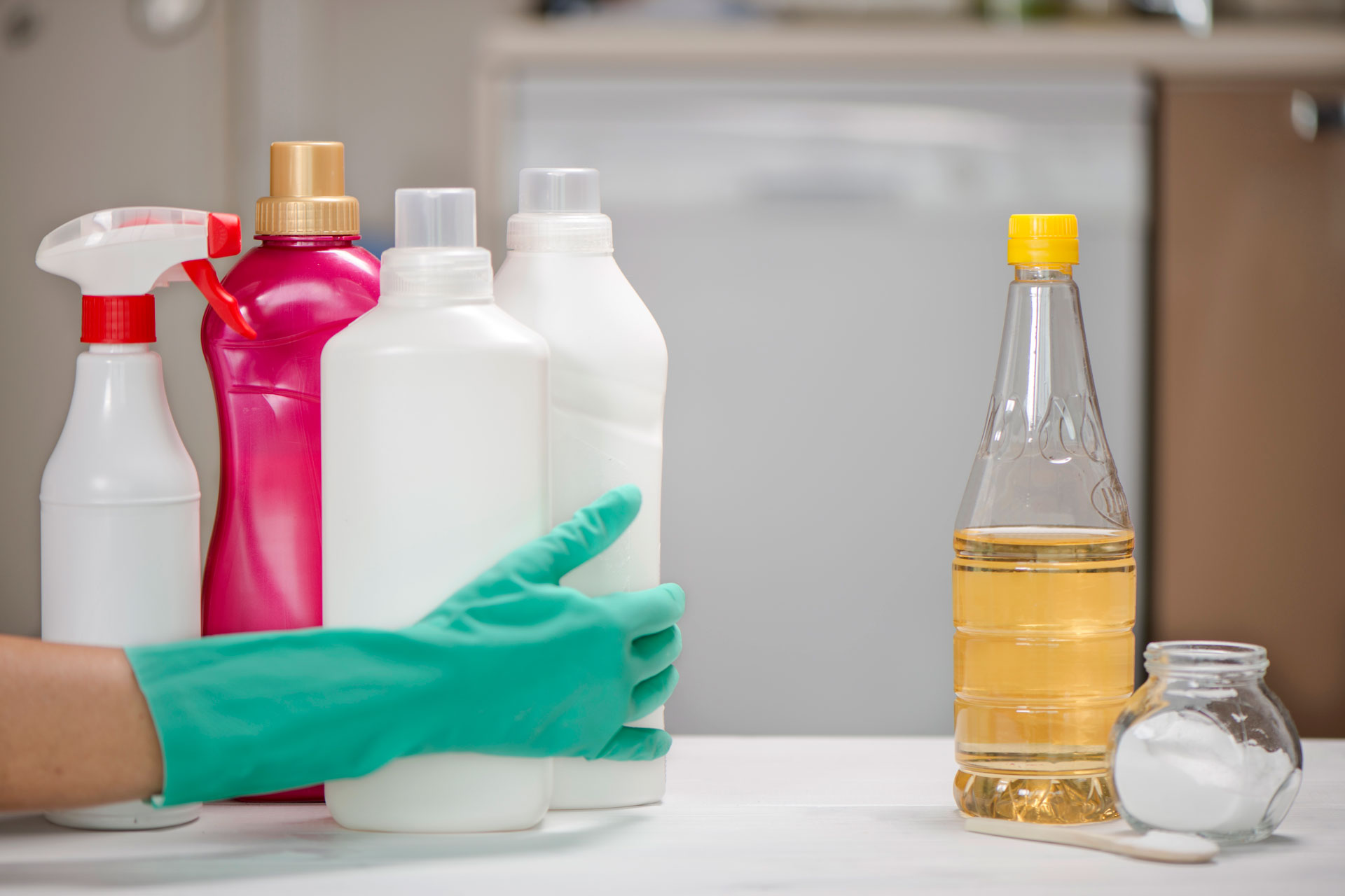 Vinegar Cleaning Tips – 8 things you didn't know you could clean with vinegar